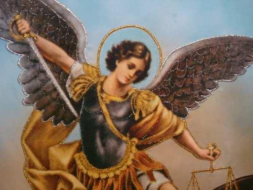Consideraciones acerca de San Miguel Arcangel